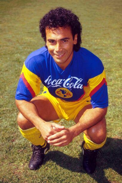 Proveniente del Real Madrid, Hugo Sánchez fue uno de los fichajes más me...