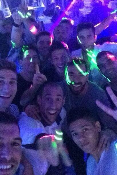 Javier Mascherano compartió esta foto de la fiesta que tuvo Argentina tr...