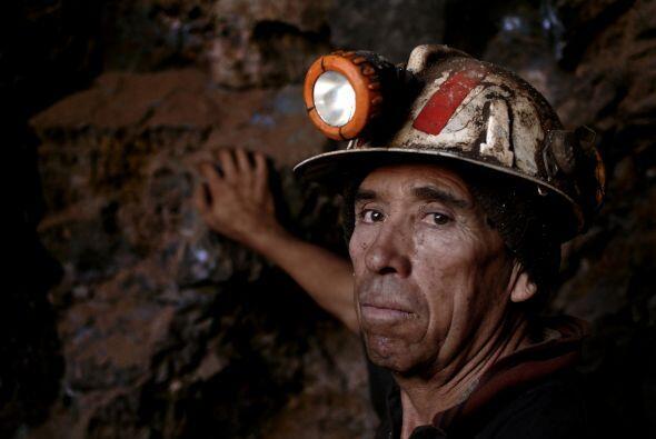 Un miembro del equipo de rescate explicó a la AFP en la mina San José qu...