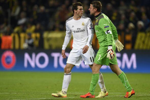 El partido se puso caliente y Gareth Bale se encaró con el portero Roman...