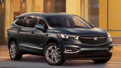 """<h3 class=""""cms-h3-H3"""">8. Buick Enclave</h3><br/>La crossover monocuerpo de tres filas de asientos de Buick presentó problemas menores con su transmisión y con los sistemas electrónicos del vehículo, según reportaron sus dueños a Consumer Reports."""