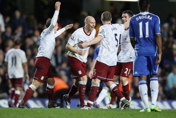 Pero las dudas aparecieron en defensa y el Villa llegó al empate.
