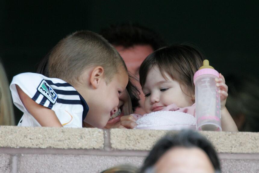 Sus padres eran amigos del matrimonio de Victoria y David Beckham, por l...