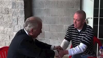 Encuentro cara a cara de ex presidente y su secuestrador
