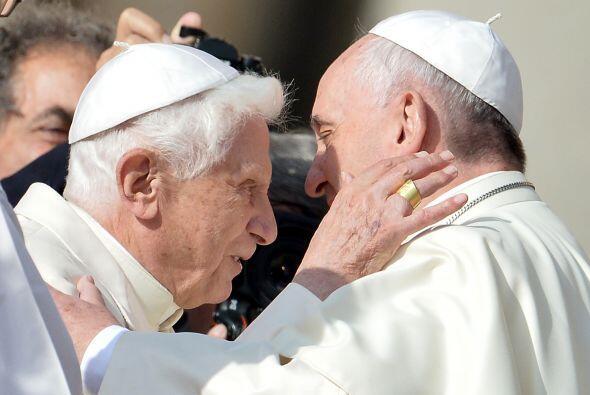 Una histórica imagen: el abrazo de dos Papas. Esta vez, con motivo de la...
