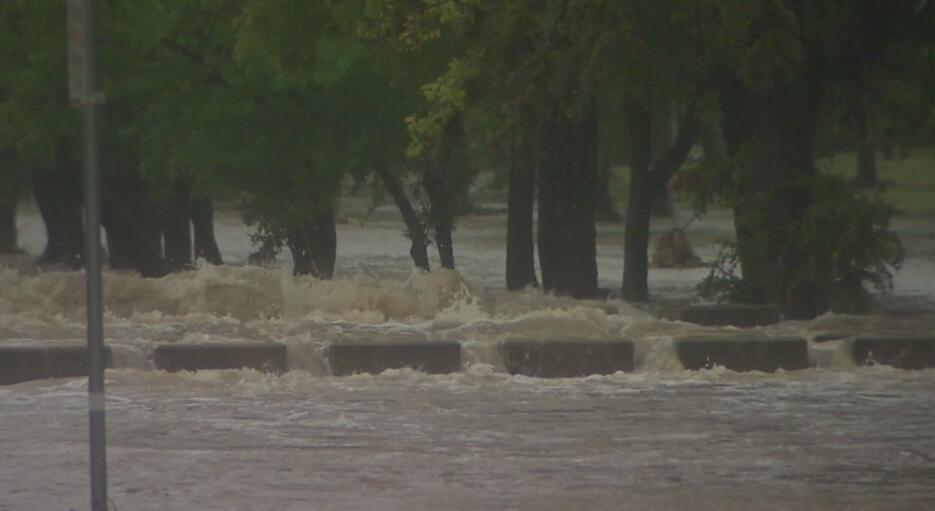 Residentes en el centro de Texas fueron evacuados debido a las lluvias E...