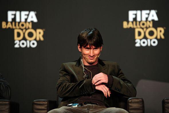 En la conferencia de prensa previa al gran evento, 'La Pulga' lucía tran...