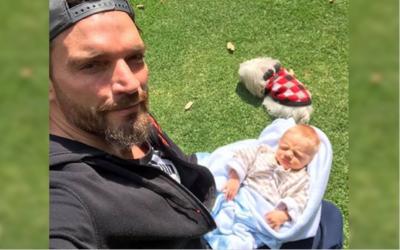 Julián Gil por fin muestra el rostro de su bebé.