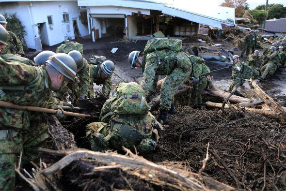 Ante el rigor del tifón, la accidentada central nuclear de Fukush...