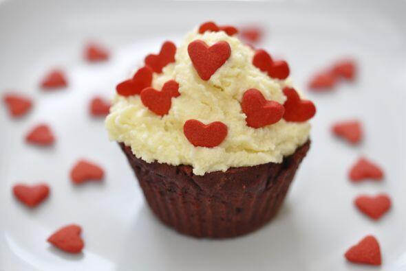 Si ya eres un poco más conocedor de la cocina, hornear algunos 'cupcakes...