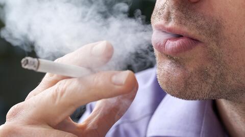 Fumar durante décadas afecta la capacidad de hacer tareas diarias...