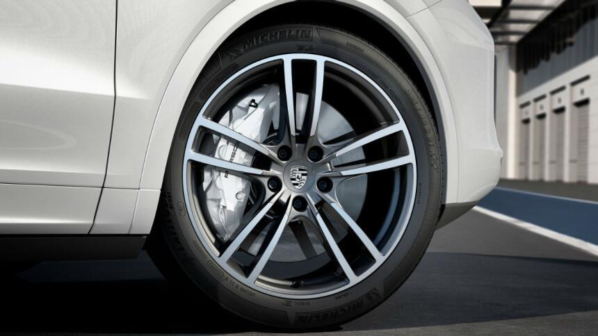 Porsche convierte a la Cayenne Turbo en todo un deportivo Cayenne 04.jpg