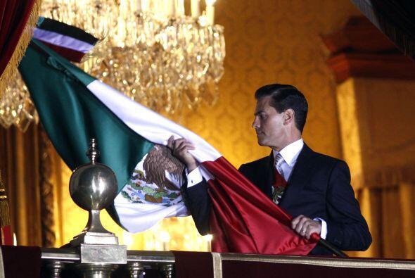 El presidente Enrique Peña Nieto dio el tradicional Grito de Independenc...