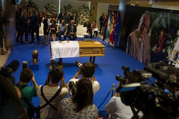 Se colocó la bandera del Real Madrid sobre su féretro.
