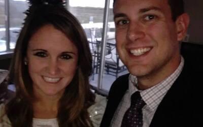 Tina Frost, sobreviviente del tiroteo en Las Vegas, junto a su novio Aus...