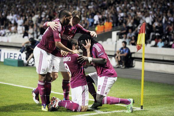 Más tarde, un gol de Briand selló el triunfo del Lyon, con...