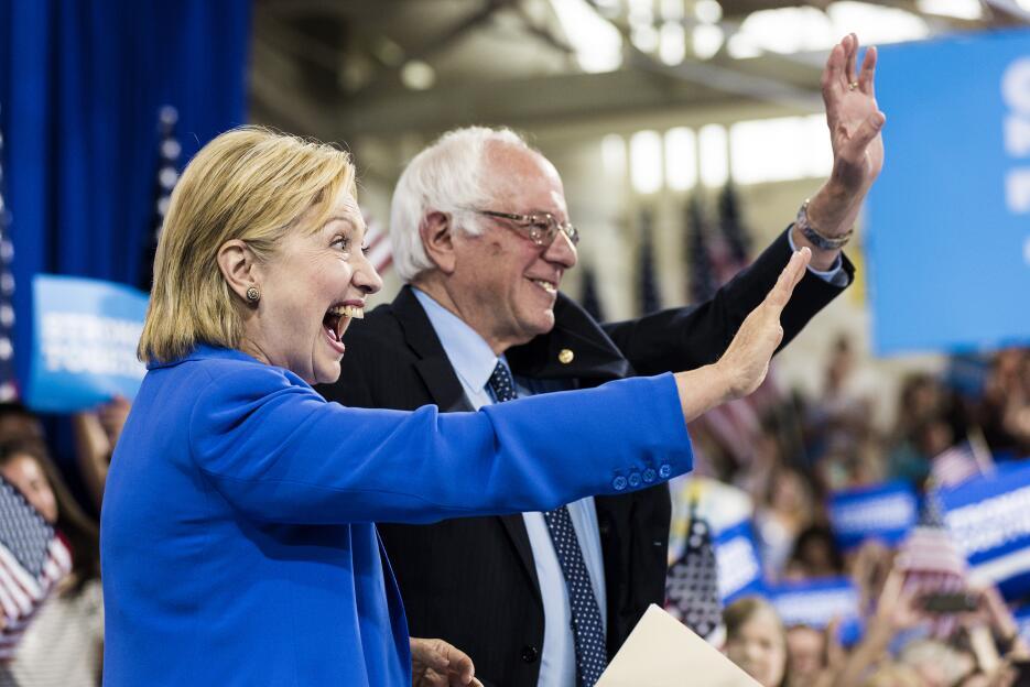 Bernie Sanders apoya a Hillary Clinton