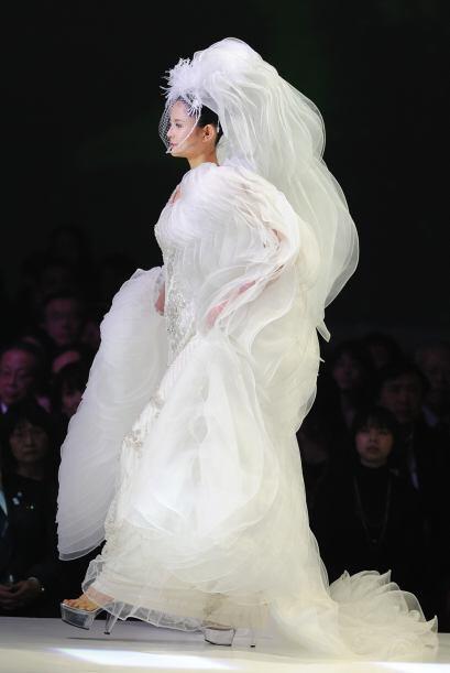 Recientemente el diseñador japonés presentó su Grand Collection con los...