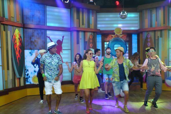 Vaya divertida que se dieron hoy en casita, nadie dejaba de reír y bailar.