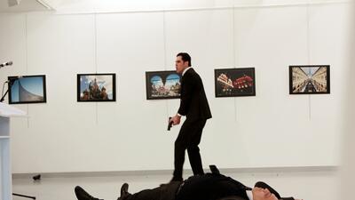 Las imágenes del atentado contra el embajador ruso en Turquía