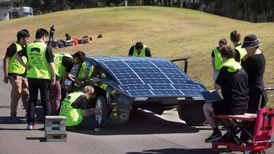 ¿Compartiremos carreteras algún día? Así compiten los mejores autos solares en carrera australiana