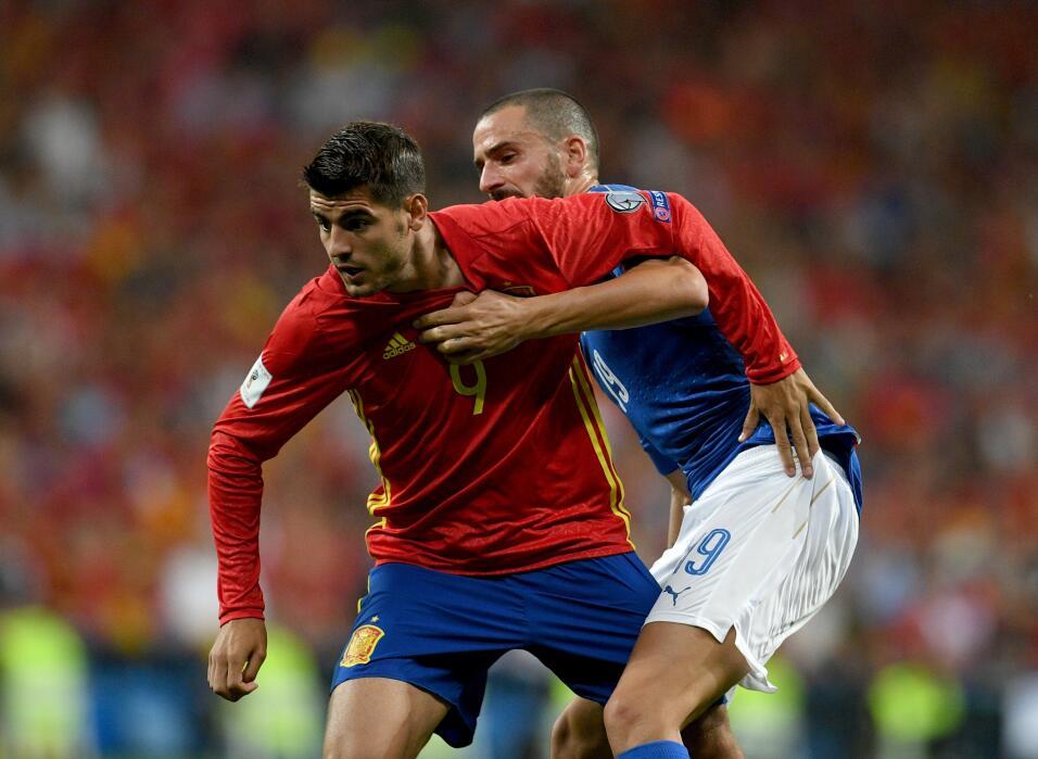 Volvió Andy Carroll, competidor de Javier Hernández, a la convocatoria d...