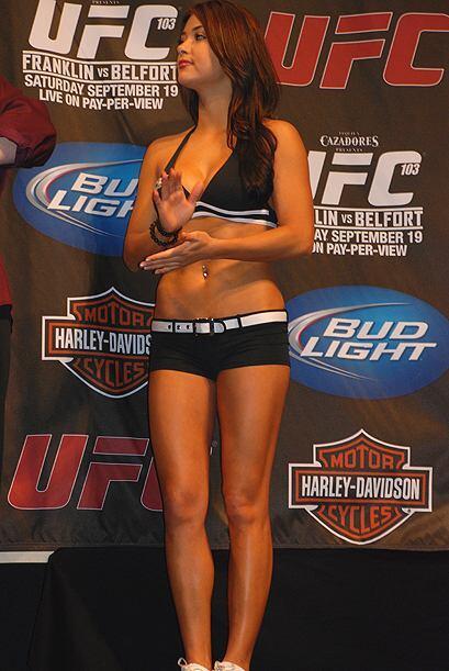 Arianny Celeste es una de las Octagono Girls de la UFC.