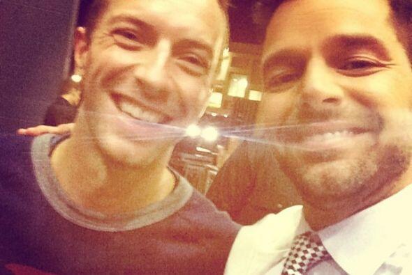 Con Chris Martin de Coldplay. ¡Dos Martin en el mismo cuarto!