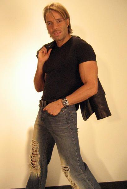 """En este show participan Bobby Larios, el """"Intocable"""" y David Barragán."""