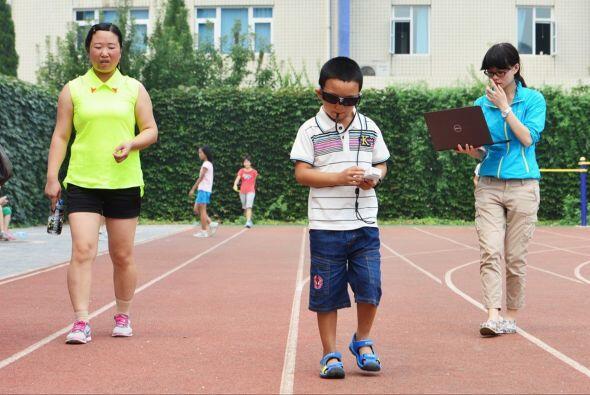 A pesar de que su oftalmólogo el Dr. Dennis Lam busca una forma de rempl...