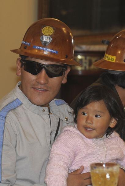 Mamani fue recibido al mediodía del lunes en el aeropuerto de El Alto, q...