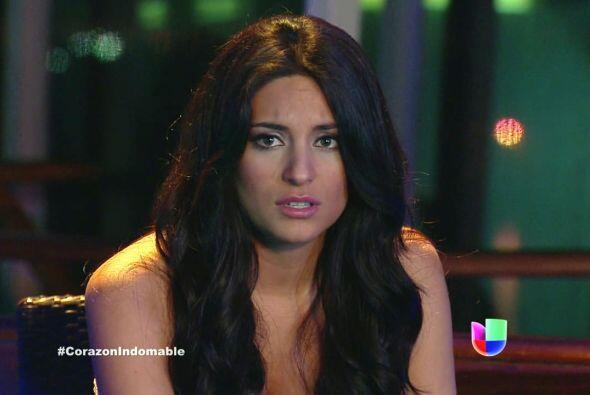 Aunque odia a Octavio, Maricruz sigue sintiéndose atraída por él.