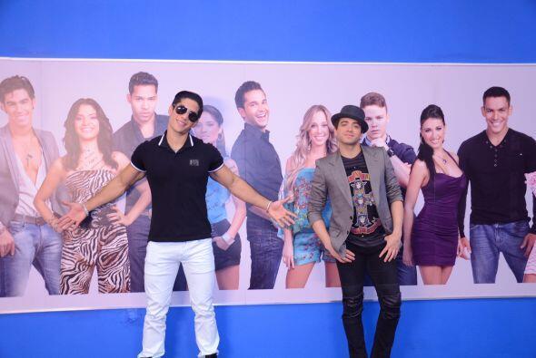 Después de esta visita, los cantantes corrieron a Univision.com para hac...