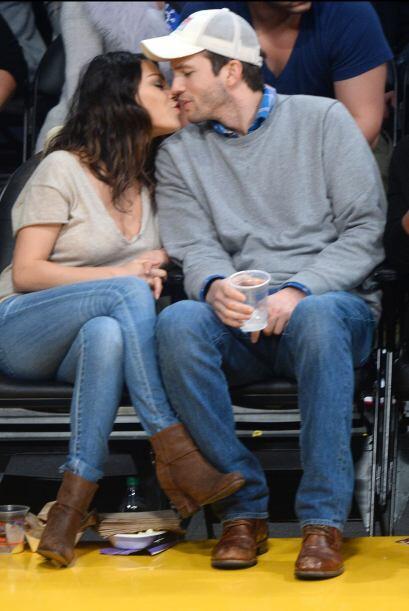 La pareja asistió al Staples Center, pero en realidad no pusieron mucha...