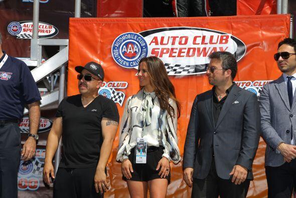 Ella se convertirá en una valiente piloto de carreras y está muy emocion...