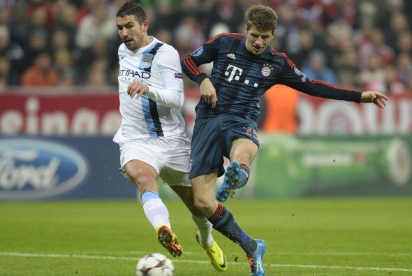 La última jornada de la fase de grupos de la Champions League arrancó co...