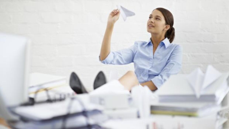 Descubre cómo cumplir con el trabajo acumulado a tiempo, sin caer en la...