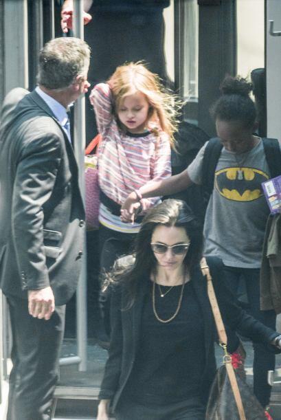 Zahara con una linda playera de Batman.