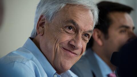 El candidato presidencial chileno Sebastián Piñera durante...