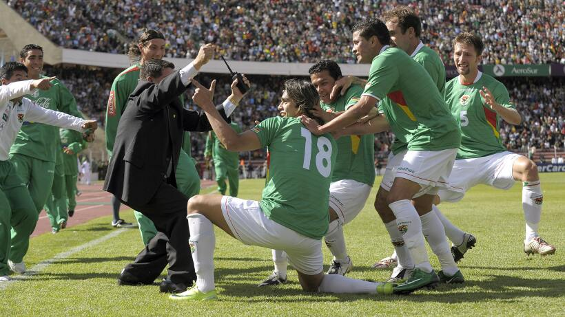 Thiago Silva es baja de Brasil para enfrentar a Chile gettyimages-857606...