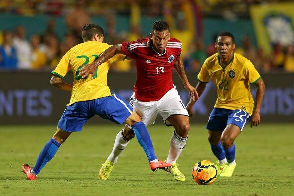 El partido de la fase de grupos: Brasil vs. Colombia, dos figuras de cla...