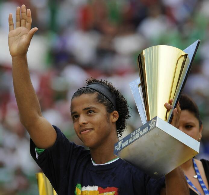 La carrera de Giovani dos Santos en imágenes