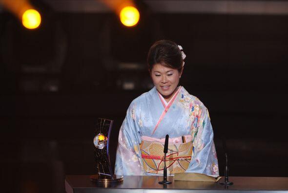 La japonesa vistió un tradicional kimono, parte de la cultura del...