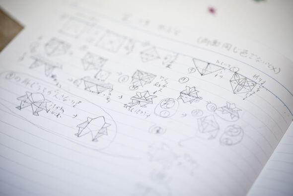 Cuando la producción de papel fue masiva y más económica, el cuaderno se...