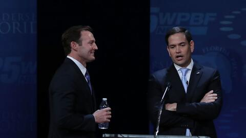 Los candidatos al Senado de EEUU Patrick Murphy y Marco Rubio durante su...