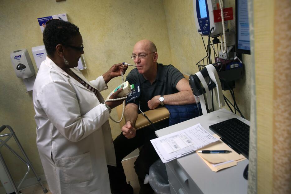 Youssef Cohen salud cancer