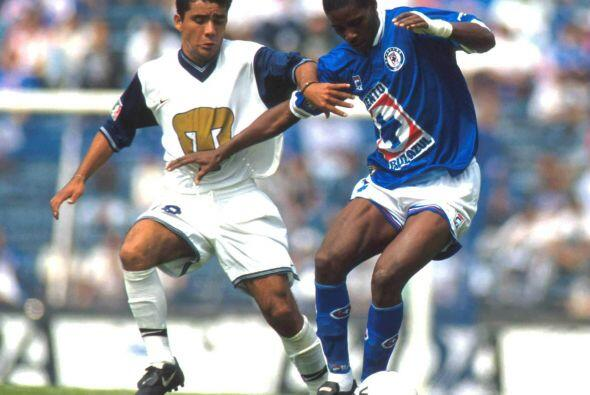 El ecuatoriano Agustín Delgado llegó como una joven promesa goleadora pe...