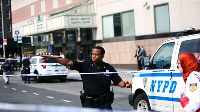 En fotos: Esta es la escena tras el tiroteo en un hospital en Nueva York