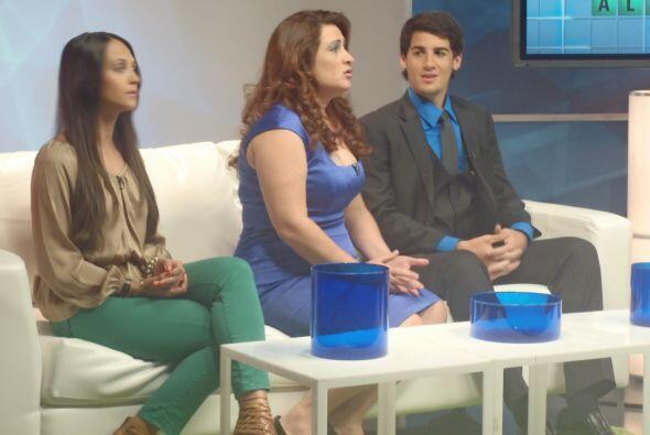 Herminia Saldivar de San Antonio, madre soltera de dos hijos brindar&aac...