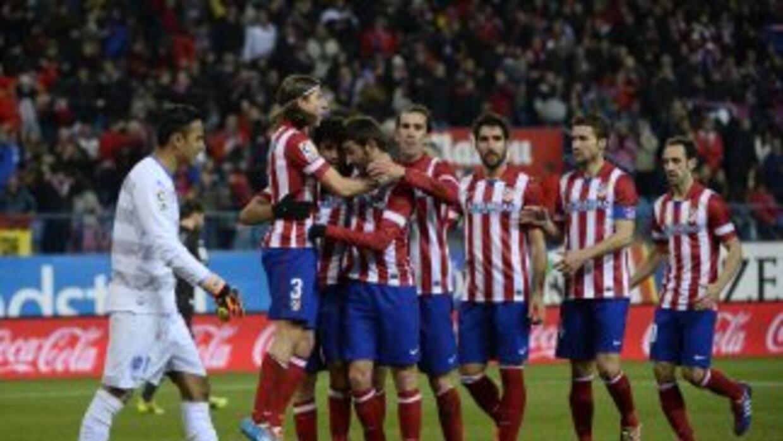 Diego Costa (tercero a la derecha) celebra su primer gol ante Levante.
